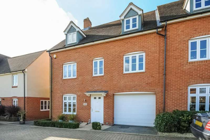 5 Bedrooms House for sale in Buckingham Park, Aylesbury, HP19