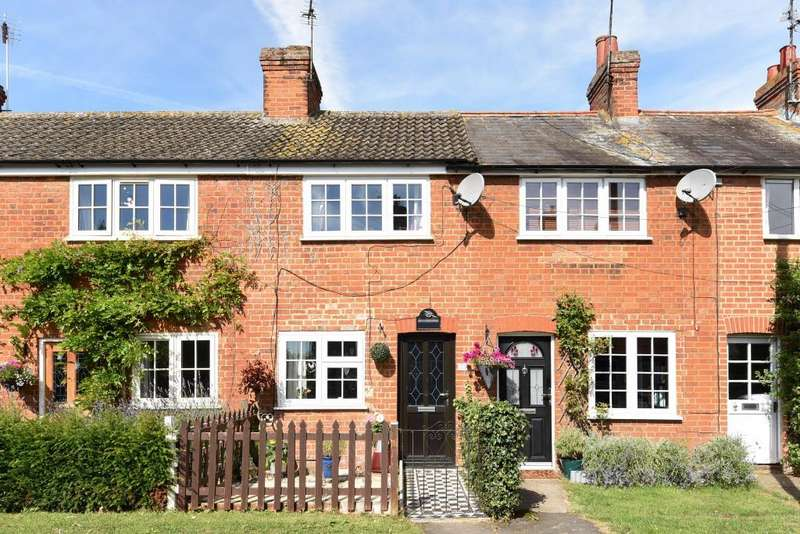 2 Bedrooms House for sale in Waddesdon, Aylesbury, HP18