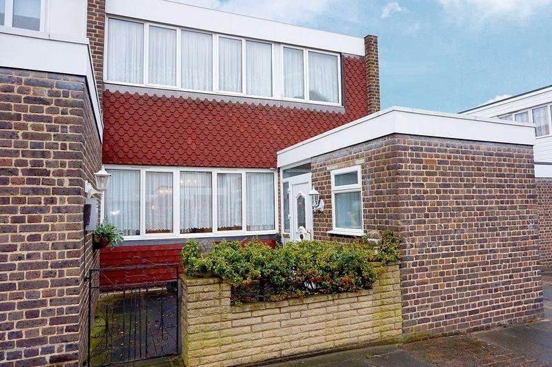 3 Bedrooms Terraced House for sale in Gavestone Road, London