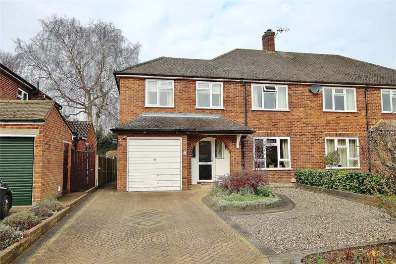 3 Bedrooms Semi Detached House for sale in Willow Green, West End, Woking, Surrey, GU24