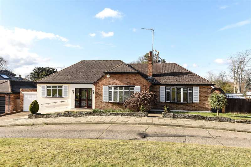 3 Bedrooms Detached Bungalow for sale in Paines Close, Pinner, HA5