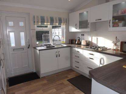 2 Bedrooms Detached House for sale in The Glen, Linthurst Newtown, Blackwell, Bromsgrove