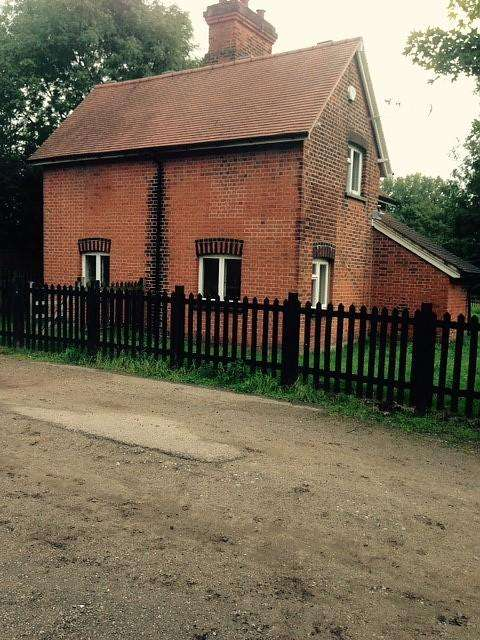 3 Bedrooms Detached House for rent in Woodredon Farm, Woodredon Farm Lane, Waltham Abbey, Essex