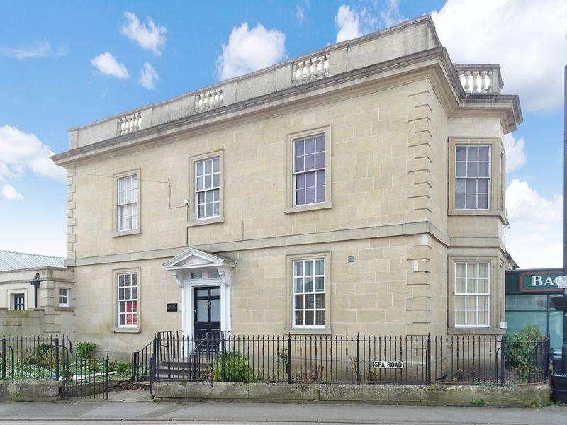 1 Bedroom House for sale in Market Place, Melksham