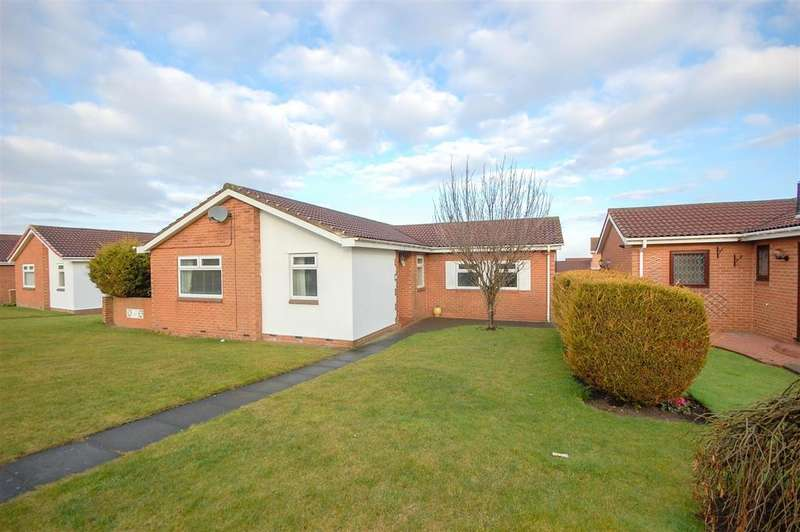3 Bedrooms Detached Bungalow for rent in Camberley Close, Sunderland