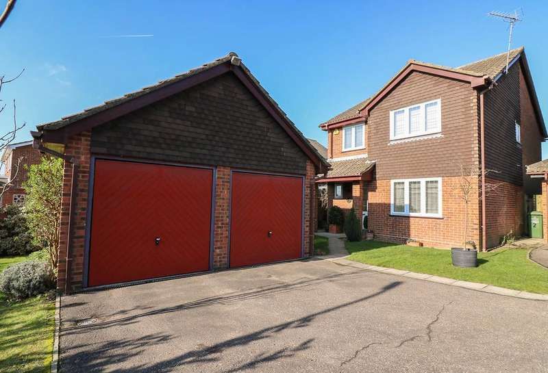 4 Bedrooms Detached House for sale in St Ediths Lane , Billericay CM12