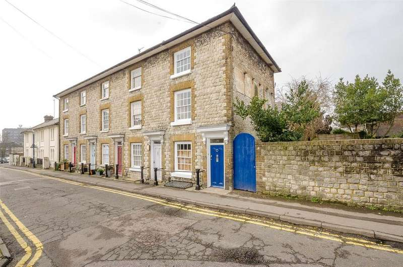 3 Bedrooms End Of Terrace House for sale in Wyatt Street, Maidstone, Kent, ME14