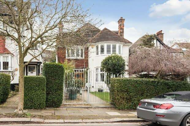 5 Bedrooms Unique Property for sale in Park Avenue, Golders Hill, NW11