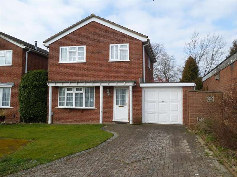 3 Bedrooms Detached House for sale in The Hawthorns, Desborough, Kettering
