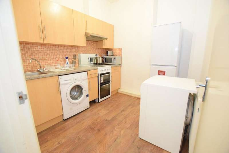 3 Bedrooms Flat for rent in Brixton Road, London SW9