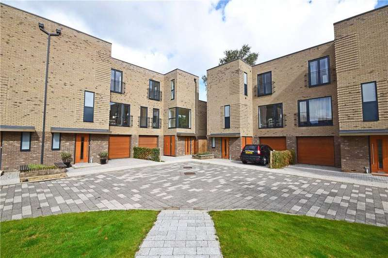4 Bedrooms End Of Terrace House for rent in Lilywhite Drive, Cambridge, Cambridgeshire, CB4