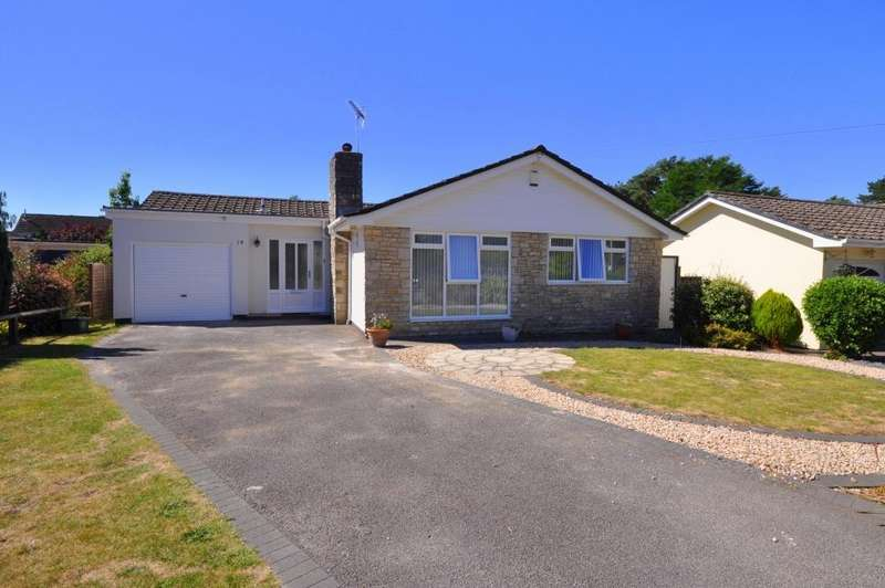 3 Bedrooms Bungalow for rent in Monkworthy Drive, Ashley Heath, Ringwood