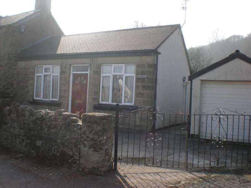 2 Bedrooms Semi Detached House for sale in Gwalia Road, Caergwrle, Flintshire, LL12 9LD