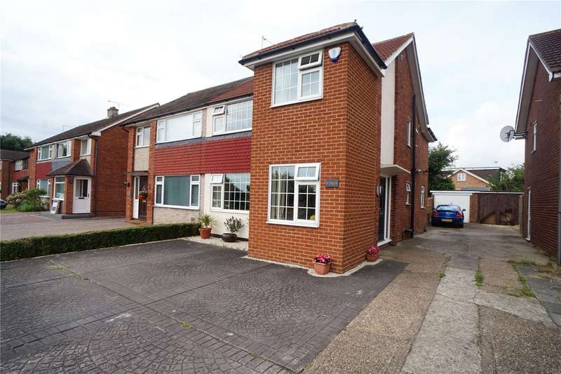 4 Bedrooms Semi Detached House for sale in Thong Lane, Gravesend, Kent, DA12