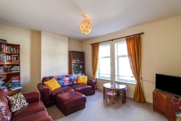 3 Bedrooms Flat for sale in Station Road, Birmingham, West Midlands, B23 6UE