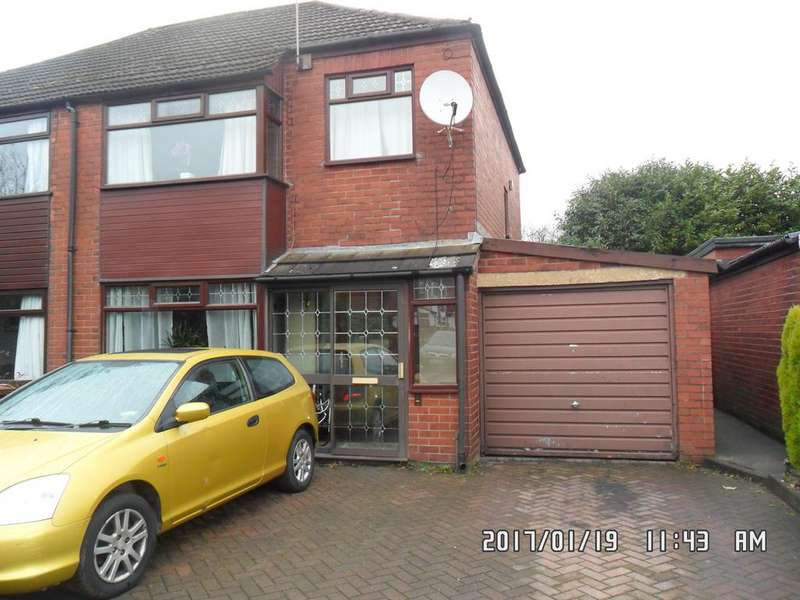 3 Bedrooms Semi Detached House for rent in Kevin Avenue, Royton, Oldham OL2