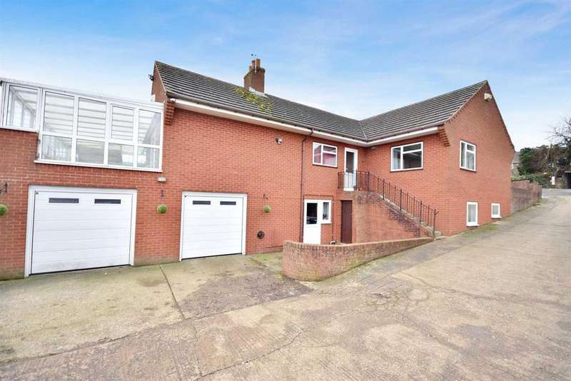 3 Bedrooms Detached House for sale in Kettering Road, Broughton, Kettering