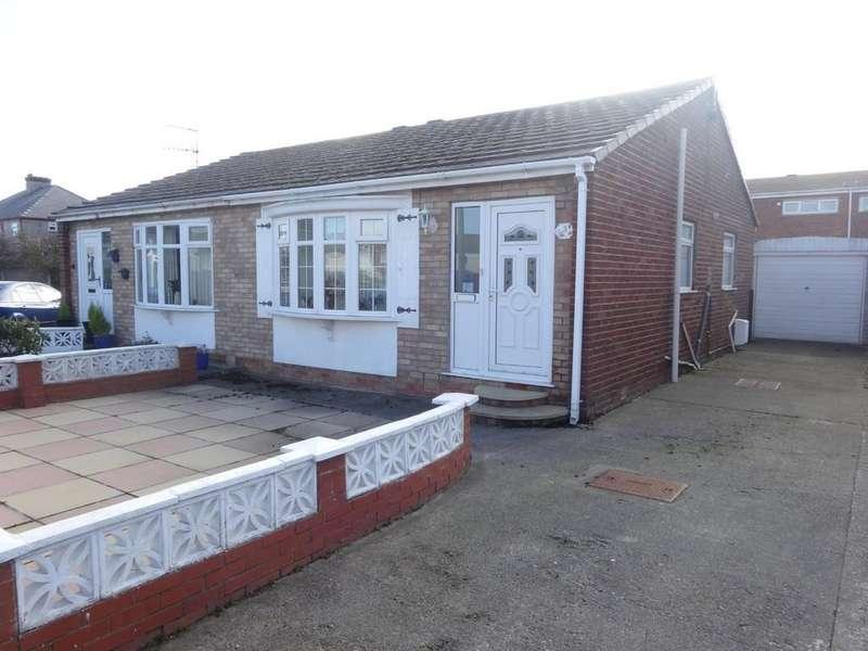 1 Bedroom Semi Detached Bungalow for sale in Llys Arthur, Towyn