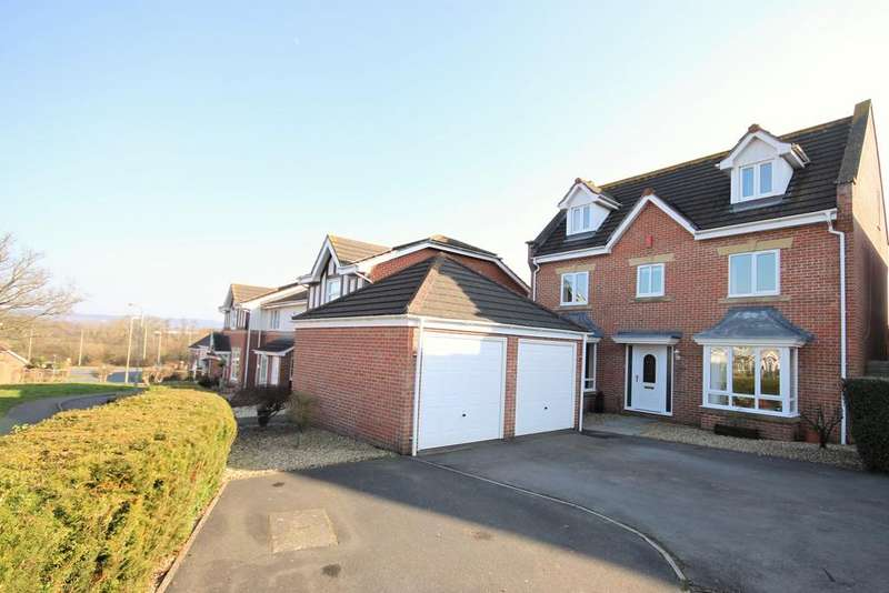 5 Bedrooms Detached House for sale in Norman Drive, Cullompton EX15