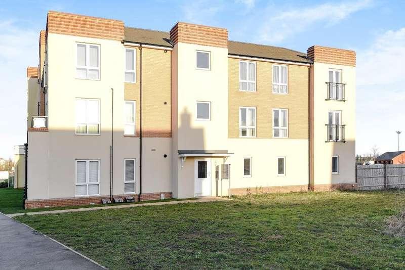 2 Bedrooms Flat for sale in Berryfields, Aylesbury, HP18