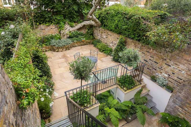 5 Bedrooms Terraced House for sale in Halsey Street, Chelsea, SW3
