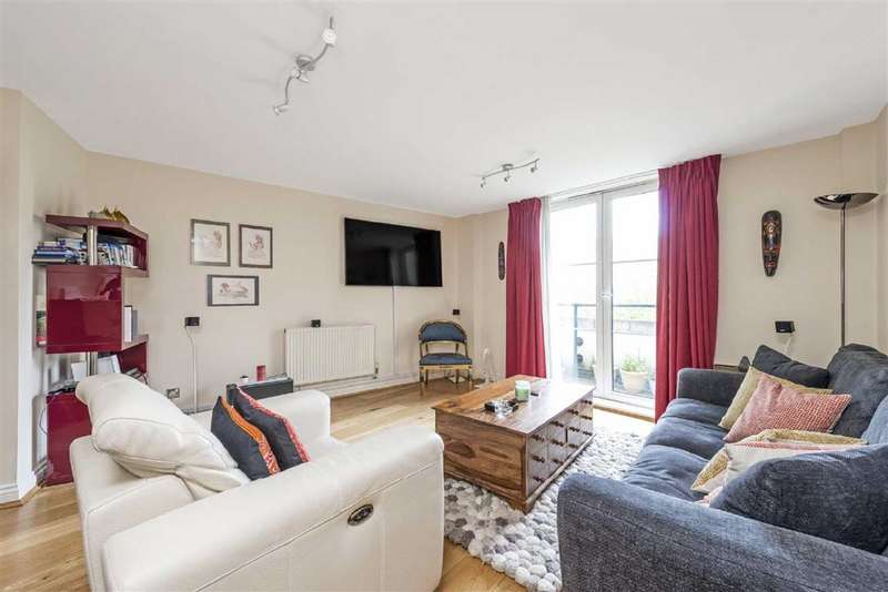 2 Bedrooms Flat for sale in Albert Court, London, NW1