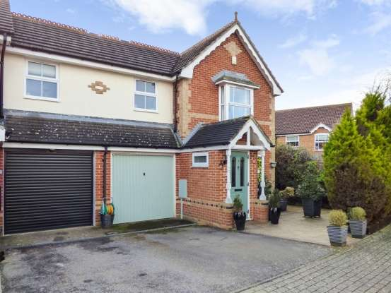 3 Bedrooms Property for sale in Saxon Close, West Malling, Kent, ME19 4SA