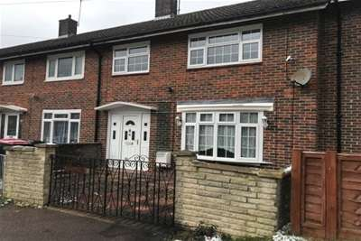 3 Bedrooms Terraced House for rent in Langley Green