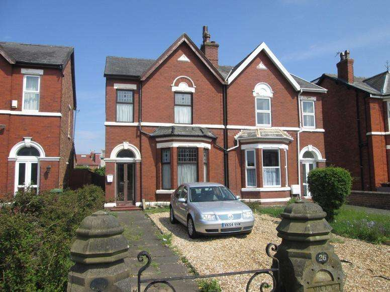 3 Bedrooms Semi Detached House for sale in Marshside Road, Churchtown, Southport, PR9 9TH