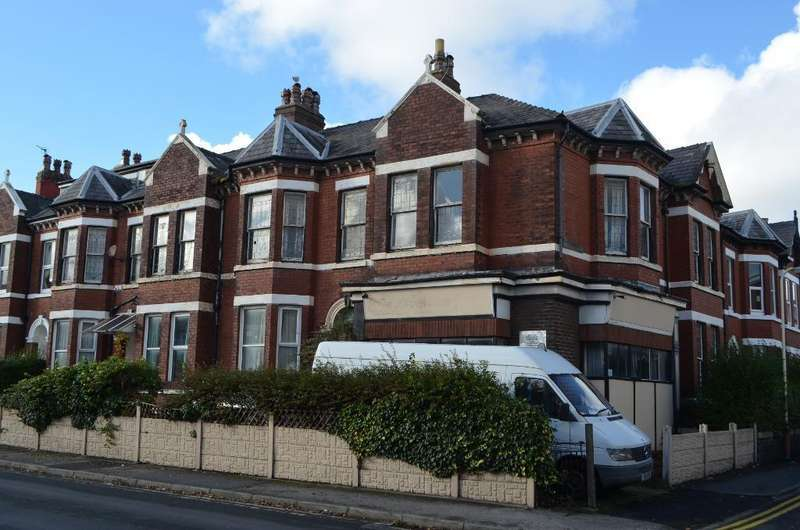 7 Bedrooms End Of Terrace House for sale in King Street, Southport, PR8 1LQ