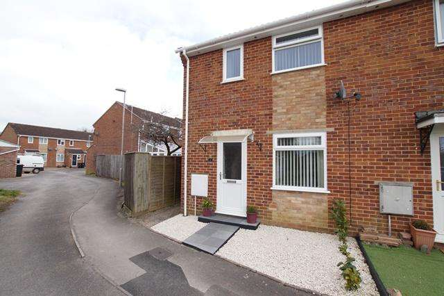 2 Bedrooms End Of Terrace House for sale in Kingston Close, Blandford Forum