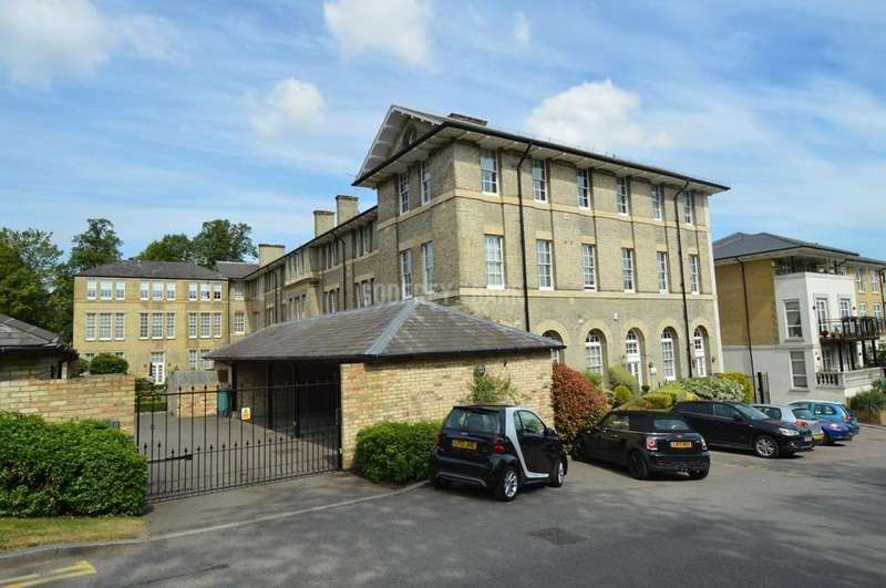 2 Bedrooms Apartment Flat for sale in Littleberry Court, Mill Hill