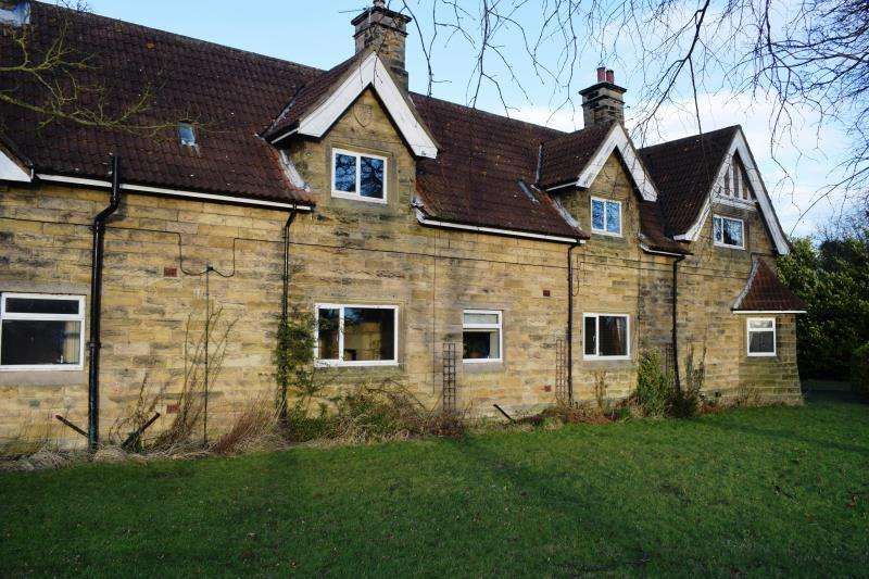 2 Bedrooms Terraced House for rent in East Field Farm Cottages, Warkworth, Morpeth, Northumberland, NE65