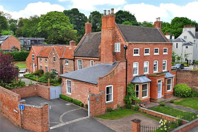 6 Bedrooms Detached House for sale in Westgate, Southwell, Nottinghamshire