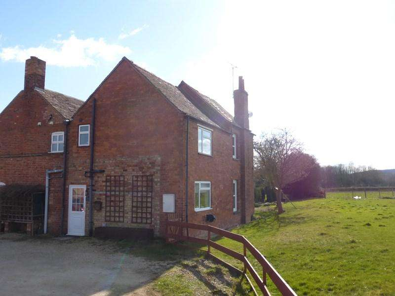 2 Bedrooms Semi Detached House for rent in Sandfield Lane, Sedgeberrow, Evesham