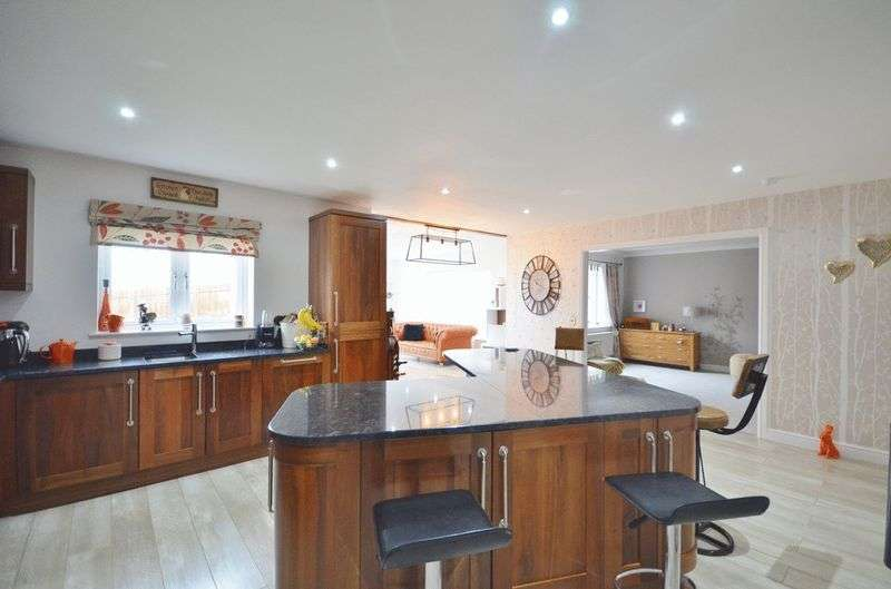 4 Bedrooms Property for sale in Winston Close Moresby Parks, Whitehaven