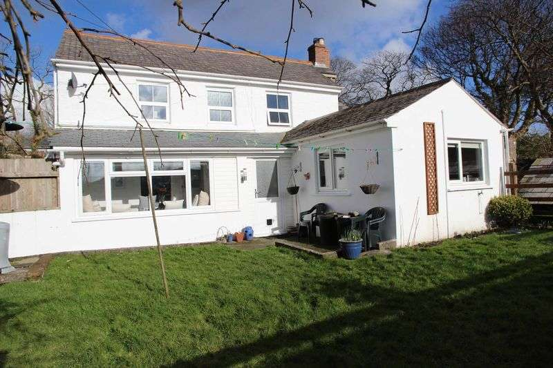 2 Bedrooms Property for sale in Trelavour Square St Dennis, St Austell