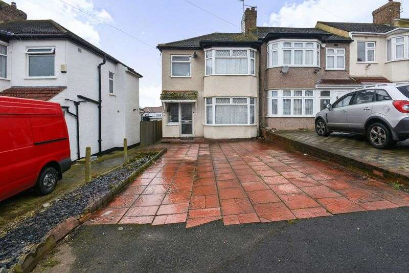 3 Bedrooms Property for sale in Teignmouth Close, Edgware