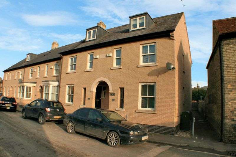 3 Bedrooms Property for sale in Tanners Row,West Street, St. Ives