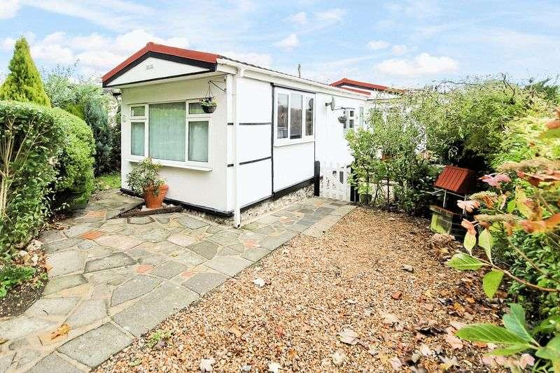 1 Bedroom Property for sale in Downe Road, Keston