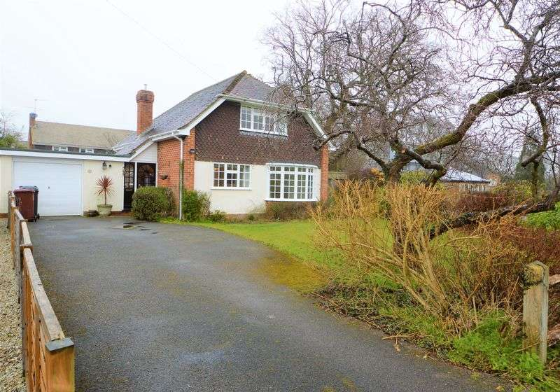 3 Bedrooms Property for rent in West Meade Milland, Liphook