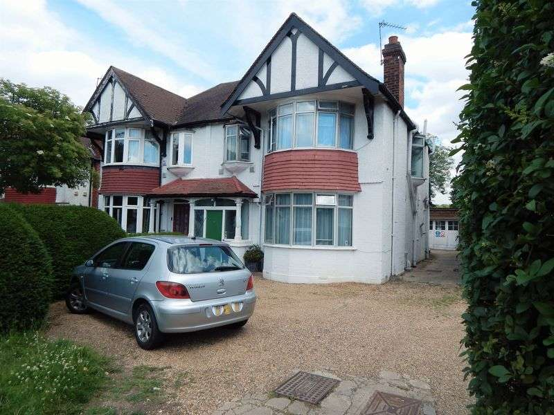 5 Bedrooms Property for sale in Watford Way, Hendon, London, NW4
