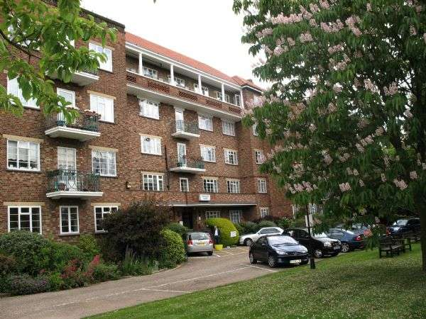 2 Bedrooms Property for sale in Thurlby Croft, Mulberry Close, HENDON, London, NW4 1QP