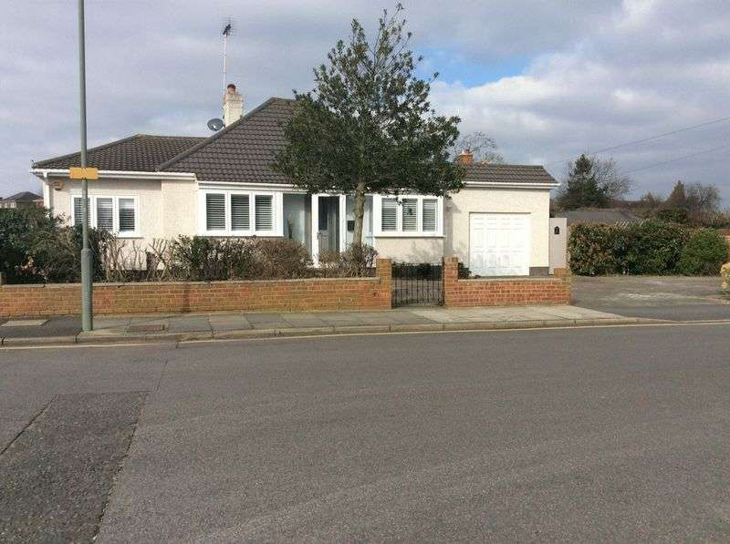 3 Bedrooms Property for sale in Keswick Road, Orpington