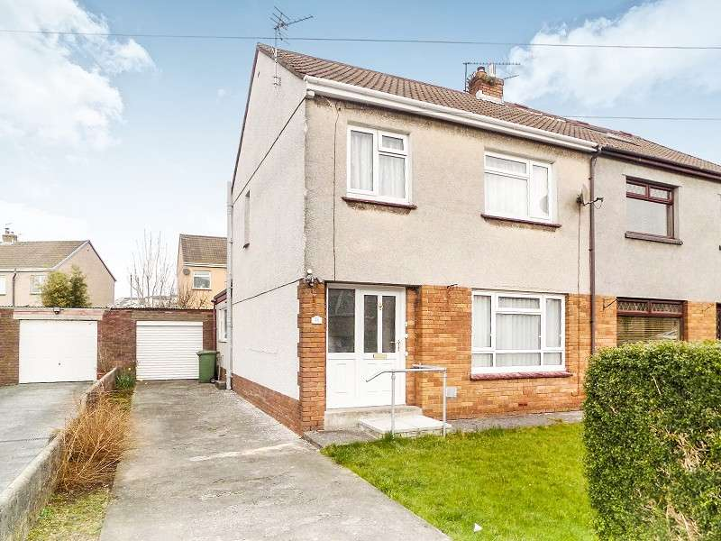 3 Bedrooms Semi Detached House for sale in Greenwood Close, Litchard, Bridgend. CF31 1PJ
