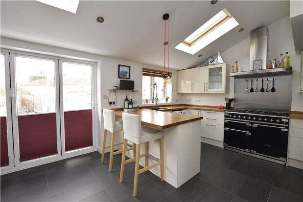 3 Bedrooms Semi Detached House for sale in Collinwood Close, Headington, OXFORD, OX3 8HS