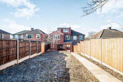 5 Bedrooms Semi Detached House for sale in Fairway, Hemel Hempstead, Hertfordshire, .