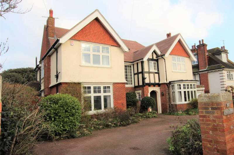 5 Bedrooms Detached House for sale in Summerdown Road, Eastbourne, BN20 8DR