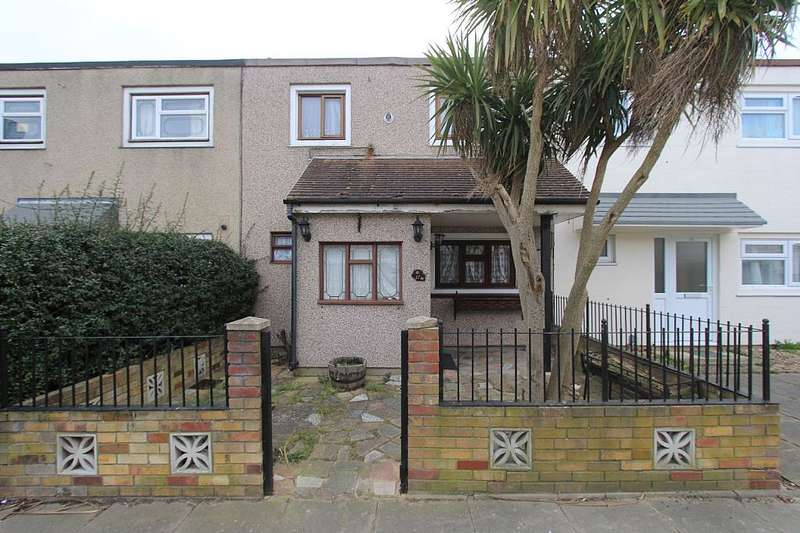 3 Bedrooms Terraced House for sale in Gambleside, Basildon, Essex, SS16 4PG
