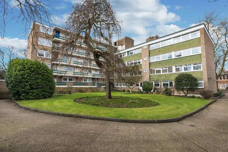 2 Bedrooms Apartment Flat for sale in St. Mary's Lodge, St Mary's Avenue, Wanstead